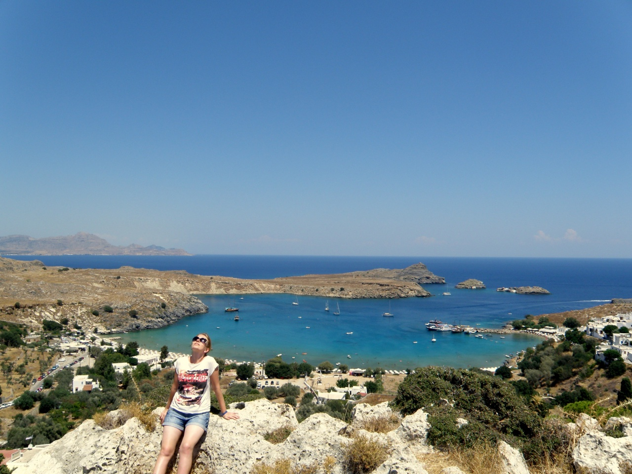 Zatoka Lindos grecka wyspa niebieska woda morze