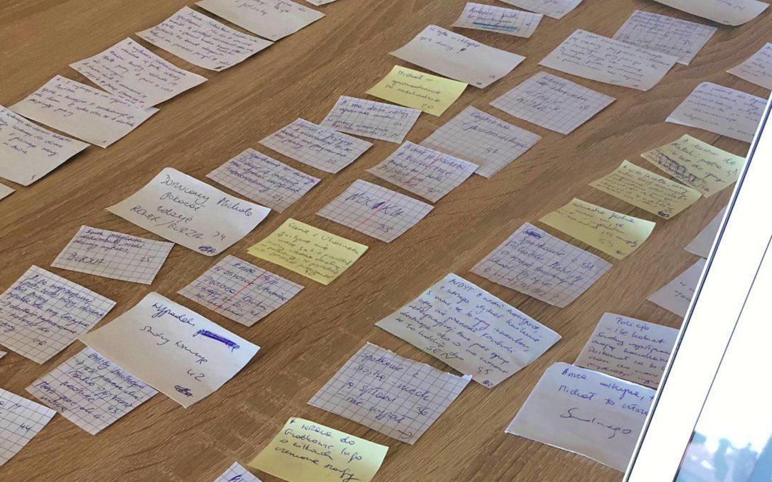 Jak napisać książkę? O metodzie karteczkowej